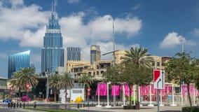 Vista asombrosa del timelapse del horizonte de Dubai Rascacielos residenciales y del negocio adentro en el centro de la ciudad almacen de video