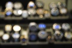 Vista astratta confusa di alcuno orologi fotografia stock
