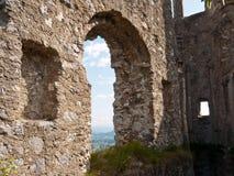 Vista através da arcada, Áustria Imagens de Stock Royalty Free