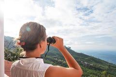 Vista através dos binóculos Imagens de Stock Royalty Free