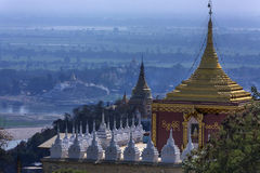 Fiume di Irrawaddy dalla collina di Sagaing - Myanmar fotografia stock libera da diritti