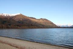 Vista attraverso il lago Wanaka Fotografia Stock Libera da Diritti