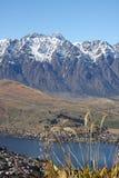 Vista attraverso Queenstown Nuova Zelanda Fotografia Stock Libera da Diritti