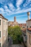 Vista attraverso Venezia del dei Frari della basilica Fotografia Stock