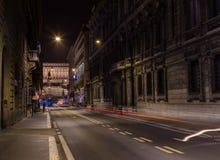 Vista avanti via del Corso alla notte Fotografie Stock