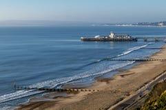 Vista bella del pilastro di Bournemouth e della linea costiera, Inghilterra, Regno Unito immagine stock libera da diritti