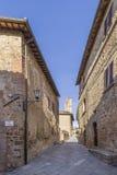 Vista bella del villaggio medievale di Monticchiello, Siena, Toscana, Italia immagine stock
