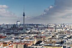Vista Berlino della città nell'inverno fotografia stock libera da diritti