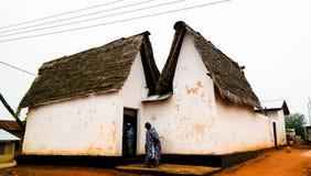 Vista a Besease Asante Shrine tradicional en, Ejisu, Kumasi, Ghana imagen de archivo libre de regalías