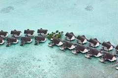 Vista Bird's-eye dei bungalow dell'acqua nei maldives Fotografia Stock Libera da Diritti