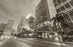 Vista blanco y negro de los edificios céntricos de Miami en la puesta del sol Fotos de archivo