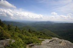 Vista blu della strada panoramica del Ridge Fotografia Stock Libera da Diritti