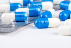 Vista blu di macro delle capsule Immagini Stock