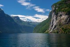 Vista bonita da cachoeira de sete irmãs, Geirangerfjord fotografia de stock royalty free