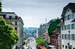 Vista bonita da cidade da lucerna, da igreja de St Leodegar ou de H Imagem de Stock