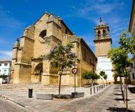 Vista bonita da igreja do porto de Santa em Córdova Fotos de Stock Royalty Free