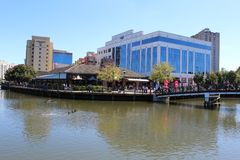 8 Vista bonita da parte de trás de Rio Washington Center em Gaithersburg, Maryland EUA Fotos de Stock