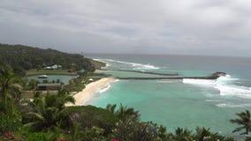 Vista bonita da praia com ondas 5 filme