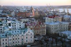 Vista bonita das alturas da cidade de Vyborg no por do sol Imagens de Stock Royalty Free