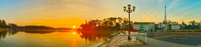 Vista bonita de Dalat, Vietname Panorama Arquitetura da cidade panor?mico da cidade do Lat da Dinamarca, Paris pequena de Vietnam foto de stock