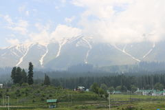 Vista bonita de Gulmarg imagens de stock