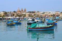 Vista bonita de Marsaxlokk ao sul de Malta Imagens de Stock Royalty Free
