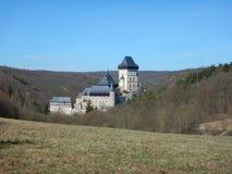 Vista bonita de um castelo checo Karlstejn imagem de stock royalty free
