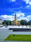 Vista bonita de uma cidade europeia em um dia ensolarado imagens de stock royalty free