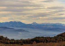 Vista bonita de uma das montanhas míticos de Catalonia: EL Pedraforca Imagem de Stock Royalty Free