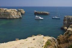 Vista bonita de uma praia selvagem idílico Fotografia de Stock