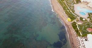 Vista bonita do litoral, do mar e da praia imagem de stock royalty free