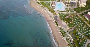 Vista bonita do litoral, do mar e da praia foto de stock royalty free