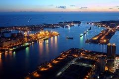 Vista bonita do porto de Kaohsiung no tempo da noite Imagens de Stock Royalty Free