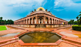Vista bonita do túmulo do ` s de Humayun, Deli, Índia Imagens de Stock