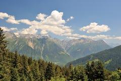 Vista bonita dos cumes altos Fotografia de Stock Royalty Free