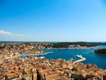 Vista bonita dos telhados e da baía de Rovinj, Istria, Croácia fotografia de stock