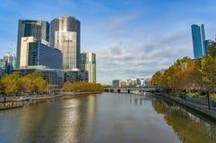 Vista bonita em bancos de rio de Yarra Fotos de Stock Royalty Free