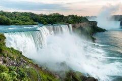 Vista bonita em Niagara Falls Foto de Stock Royalty Free