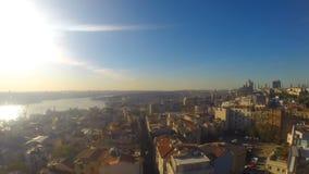 Vista bonita na cidade da parte superior da construção filme