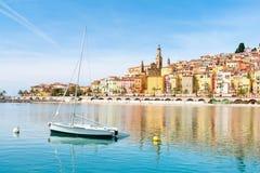 Vista bonita na cidade de Menton em riviera francês, azur do ` da costa d, França sul Imagens de Stock Royalty Free