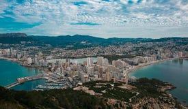 Vista bonita na cidade e no mar Fotografia de Stock Royalty Free
