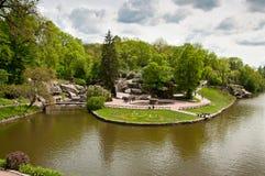 Vista bonita no lago no parque de Sofiyivsky em Uman, Ucrânia Fotografia de Stock Royalty Free