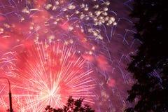 Vista borrosa de los fuegos artificiales Fotografía de archivo libre de regalías