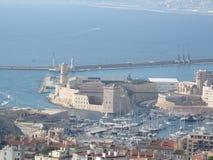 Vista borrosa del faro de Marsella Pharo en un día soleado Fotos de archivo libres de regalías