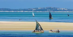 Vista cênico com barcos tradicionais Fotografia de Stock
