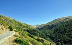 Vista cênico da estrada da montanha, fundo da natureza fotos de stock