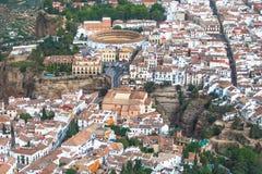 Vista cênico da ponte, da garganta e da praça de touros, Ronda, Malaga, a Andaluzia, Espanha Imagem de Stock