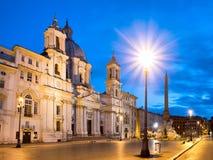 Vista cênico da praça Navona em Roma antes do nascer do sol foto de stock royalty free