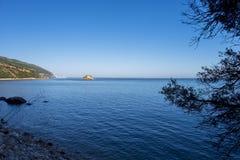 Vista cênico da praia de Portinho a Dinamarca Arrabida em Setubal, Portugal Fotos de Stock