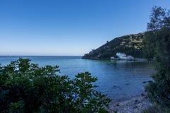 Vista cênico da praia de Portinho a Dinamarca Arrabida em Setubal, Portugal Fotos de Stock Royalty Free